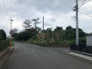 西光寺の敷地内には国指定史跡「保渡田薬師塚古墳」があります